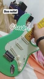 Guitarra e cubo amplificador com nota fiscal
