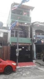 Vendo ou troco por apto de 3 qtos, casa de três pavimentos na Marambaia