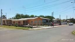 Casa de esquina na rua do Brazuca, Pq. dos Anjos