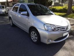 Toyota Etios X sedan entr+parc