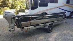 Conjunto de Pesca - Barco, Motor e Carretinha