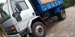 Caminhão caçamba - 1990