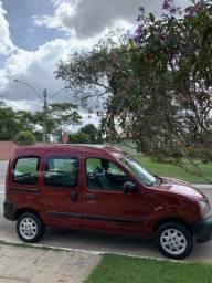 Furgão Utilitário Renault Kangoo - 2000