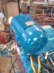 Motor trifasico 12.5 cv