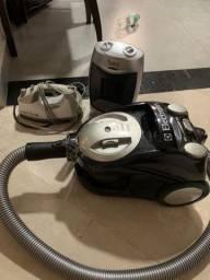Aspirador de Pó Eletrolux 1600 W Ferro de Passar e aquececedor , tudo com pouco uso!