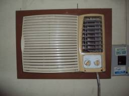 Título do anúncio: Ar condicionado Springer  7.500  B T U /  220 V