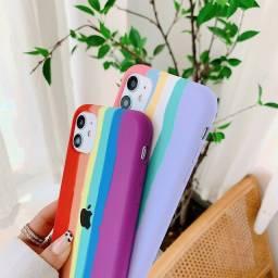 Título do anúncio: Capa Flexível De Silicone Colorida Com Laço-Íris Para iphone 11 12 pro Max  11  X