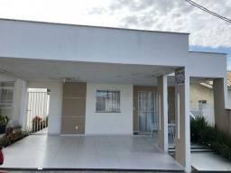 Casa na avenida Artemia Pires, condominio fechado