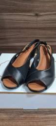 Sandália preta Usaflex n.35