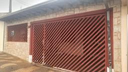 Título do anúncio: Casa para Venda em Araras, Parque Tiradentes, 4 dormitórios, 2 banheiros, 2 vagas