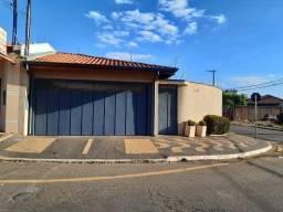 Título do anúncio: Casa para Venda em Araras, Parque Terras de Santa Olívia, 3 dormitórios, 1 suíte, 2 banhei