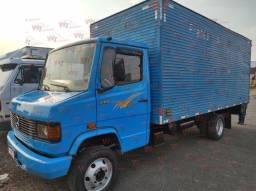 Título do anúncio: MB 710 PLUS 2005/2005 Baú 5,50mts