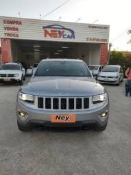 Título do anúncio: Jeep Cherokee Laredo 3.6 4x4 Gasolina
