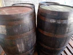 Título do anúncio: Tonel de carvalho Europeu 200 litros