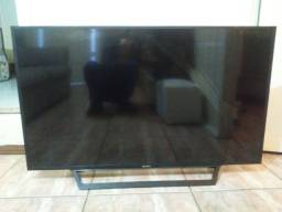 "Smart TV Sony 48"" tela trincada"