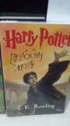 Kit livro. Harry Potter, faltando dois exemplares. produtos lacrados.