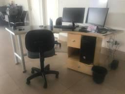 Vendo 2 mesas para escritório.