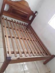Vendo cama de casal de Madeira 400$