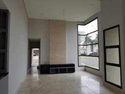 Casa Térrea 250m2 3 Suítes,Sala,Cozinha,Banheiros,Piscina,Ar Condicionado,Terreno 485m2