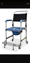Cadeira de higienização hospitalar