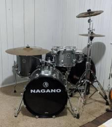 Bateria Nagano Acústica Concert Gig 18 Pol Iron Sparkle