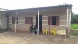 Vende-se casa em amplo terreno 12 x 40 no bairro Tijuca