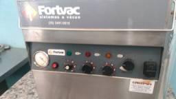 Máquina  embalagem a vácuo<br>Semi nova<br>Valor 4300,00