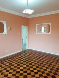 Tijuca, 3 quartos, armários embutidos, dependências completas