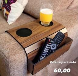 Esteira para sofá com porta copo e porta controle