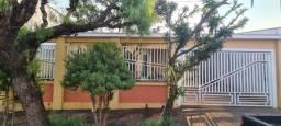 Título do anúncio: Casa para Venda em Araras, Jardim Buzolin, 3 dormitórios, 1 suíte, 2 banheiros, 2 vagas