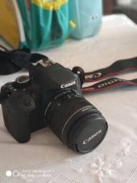 Câmera Canon t4i Rebel + lente 18-55 do kit