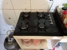 Venda de um fogão com forno elétrico com móveis de MDF