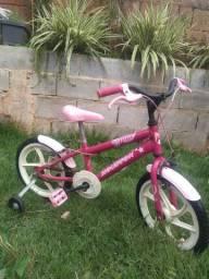 Bicicleta infantil menina vendo ou Troco em cadeirinha automotiva