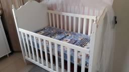 Título do anúncio: Berço de bebe com colchão novo e mosqueteiro decorado