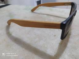 Óculos de sol chilli beans em madeira