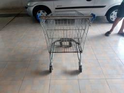 Carrinho de supermercado semi novo