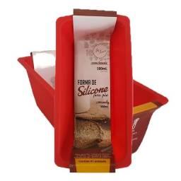 Título do anúncio: Forma de silicone pão retangular pequeno 500ml ZU247