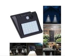 Título do anúncio: Refletor Balizador Solar 30w Sensor de Presença Externo c306