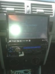 Troco ir outro som DVD que tem a entrada das tela do banco