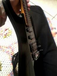 Guitarra golden antiga em cedro
