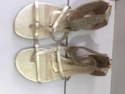 Sandália feminina dourada com strass