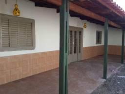 Vendo Imóvel de 390 m² no St Urias Magalhães, Goiânia (Com 2 Lojas Comerciais e uma casa)