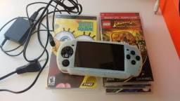 PSP com 6 jogos físicos e 50 no cartão de memória