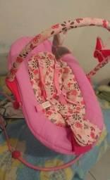 Cadeira de Descanso Poly Borboleta