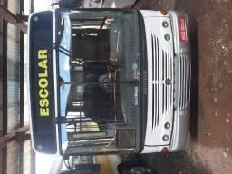 Ônibus escolar 50 lugares no dut - 2006