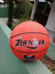 Bola de basquete novinha