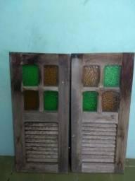 Janela em madeira e vidro