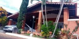 Casa mobiliada a venda em Caldas Novas, 03 quartos