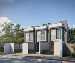 Casa duplex no Lagoa Park 02 com 02 quartos e amplo quintal