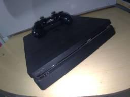 Playstation 4 Slim USADO com 2 jogos